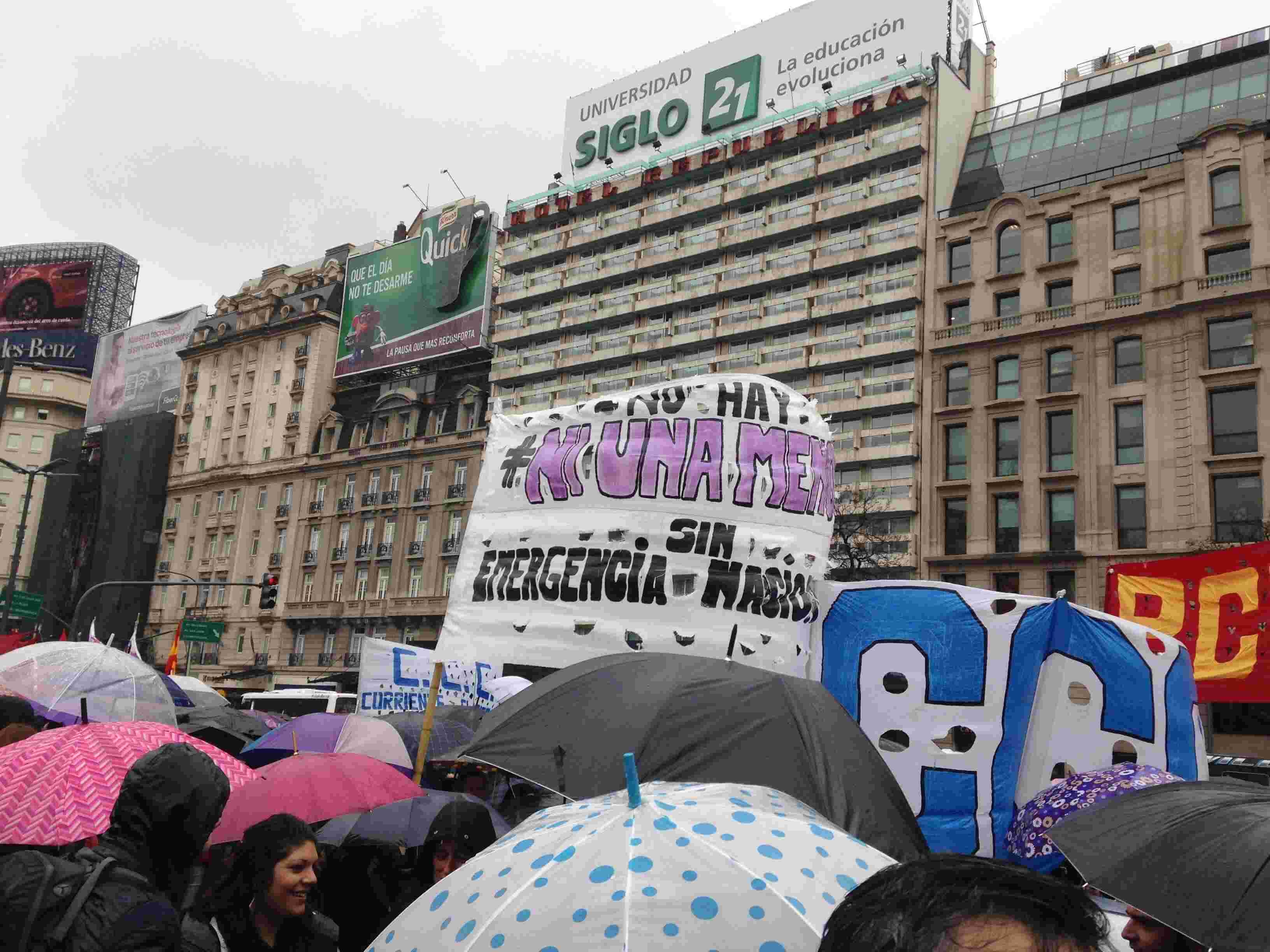 My First Protest: An Unforgettable Buenos Aires Experience