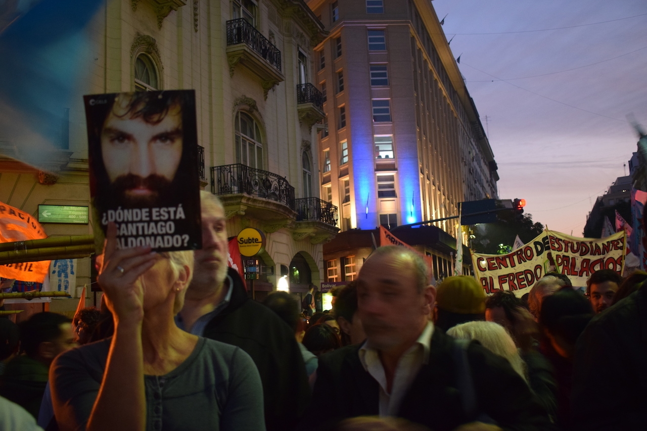 Where is Santiago Maldonado? A month without news