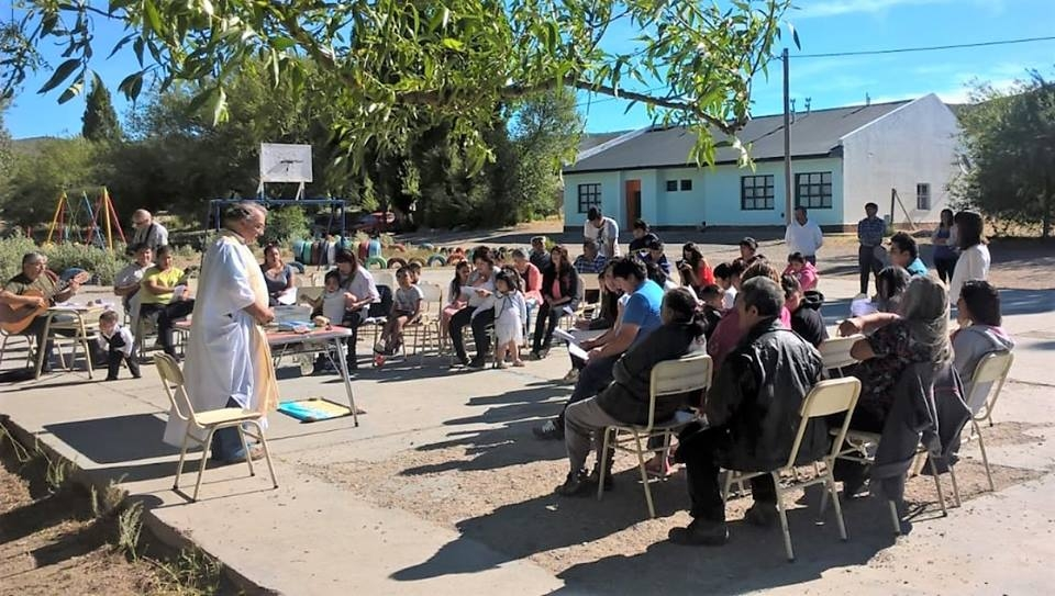 Community and Religion, a Close Relationship in Argentine Neighborhoods