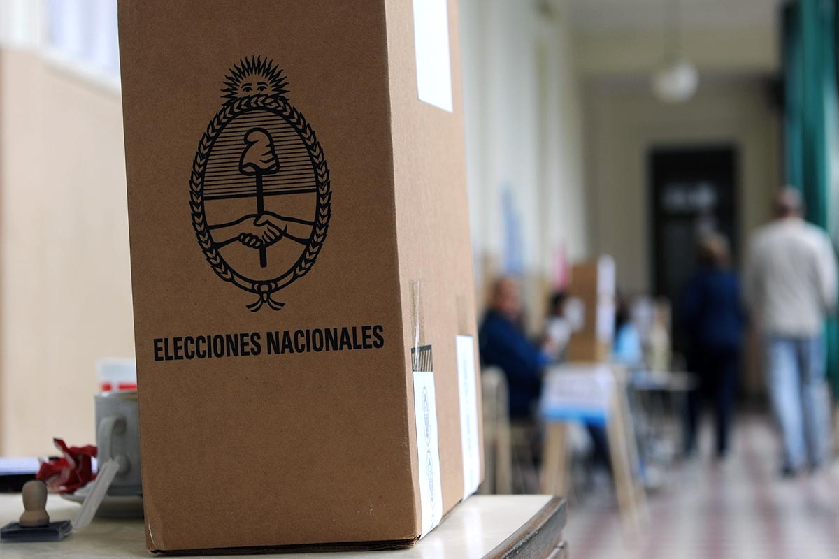 Argentina Chooses New President with Hopes of Prospering Times